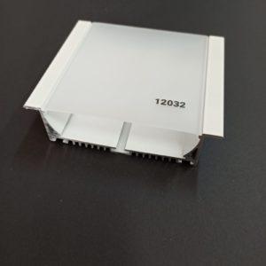 P12032